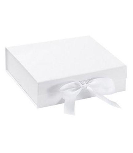 Baby Bibs Gift Box white